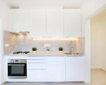 3 izbový byt pri električke - nová rekonštrukcia