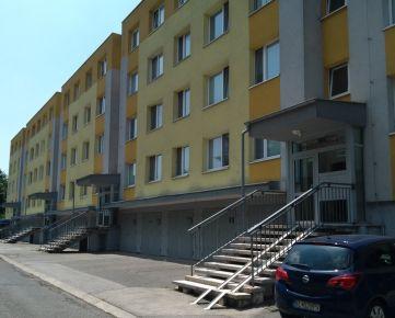 Garáž - Dúbravka - Valachovej - pod bytovým domom Š: 3,45 m, D: 5,50 m