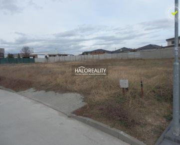 HALO REALITY - Predaj, pozemok pre rodinný dom 683 m2 Trnava
