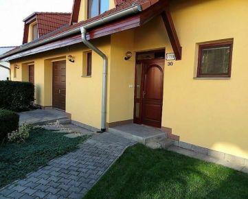 Na prenájom dom TOPÁSOVÁ nad Popradskou, garáž