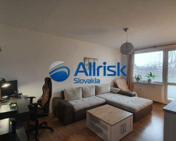 Veľmi pekný ,priestranný a zariadený 2 izb. byt s lodžiou - Čiližská ulica