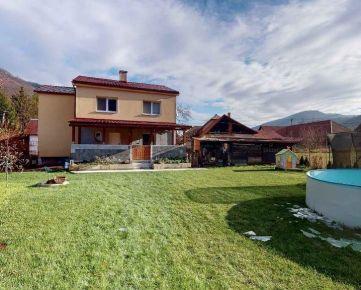 Ponúkame na predaj pekný, veľký rodinný dom v tichej obci Hronská Breznica - REZERVOVANÉ