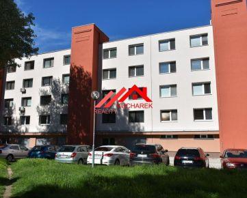 Kuchárek real: 3 iz. byt, ul. M. Medveďovej, BA - Petržalka (Ovsište)