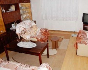Pekný  2-izb.  BYT, PIVNICA,  50 m2 , TOPOĽČANY