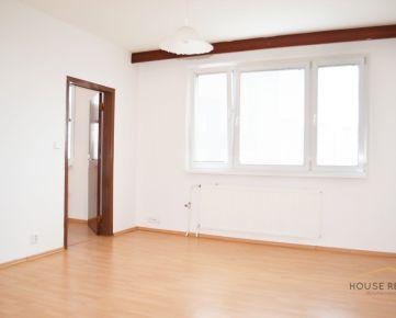 Predaj veľký 4 izbový byt, Vyšehradská ulica, Bratislava V. Petržalka