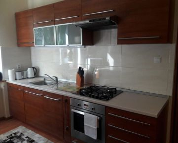 Ponúkam na prenájom luxusný rodinný dom v Košiciach
