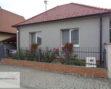 K&R CARPATIA-real * Skvelá cena a ponuka * Krásny Rodinný dom s altánkom - krbom - pekným pozemkom - Dolné Zelenice