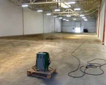 Direct Real - Skladové/výrobné priestory 1158 m2, s výbornou dostupnosťou. Okamžite k dispozícii. 360° fotoprehliadka!