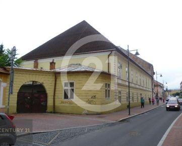 Rezervované !Prenájom nebytových priestorov (objektu v centre mesta Banská Bystrica Horná ulica)