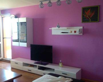 --PBS-- Prerobený 4.-izbový byt /typ bauring/ o výmere 87 m2 s lodžiou, Zelenečská ulica