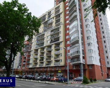 Prenájom, priestranný kompletne zariadený 2-izbový byt s loggiou v novostavbe Jégeho Alej, 60 m2, 10./22, NÁDHERNÝ VÝHĽAD