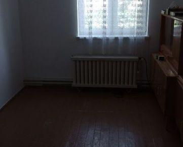 Na predaj starší 3-izbový rod. dom Opoj, tichá časť