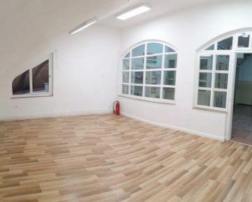 ZĽAVA 1500,- EURPonúkame na predaj obchodno-kancelársky priestor v Komárne