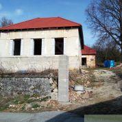 Chata, chalupa 330m2, čiastočná rekonštrukcia