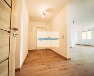 Nadštandardný tehlový 4-izbový byt v Slávičom údolí, kompletná rekonštrukcia r. 2020, samostatné kúrenie, šatník, terasa, logia, ihneď voľný - volajte 0917 346296