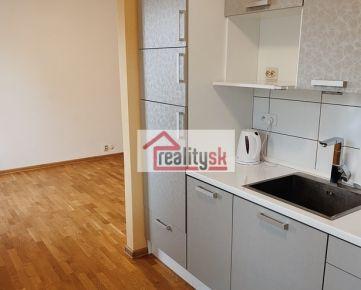 2 - izbový byt s krásnym výhľadom v centre Zvolena - prenájom