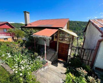 Záhradná chata s rozsiahlym pozemkom