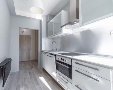 REZERVOVANÉ - 2-izbový komplet zrekonštruovaný byt s balkónom v Ružinove - Štrkovec.