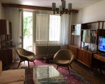 Ponúkame na predaj 4-izbový byt vo výbornej lokalite Sídliska III, ulica Matice slovenskej vPrešove