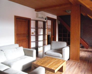 Na prenájom moderný 3 izbový apartmán v centre mesta