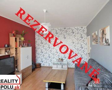 (REZERVOVANÉ) Veľkometrážny 2 izbový byt s krásnym výhľadom