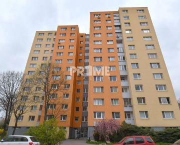 Pekný 3i byt, REKONŠTRUKCIA, 3 X NEPR.IZBA, LOGGIA, Romanova ulica