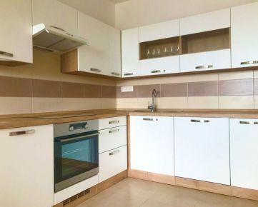 NA PRENÁJOM: Novostavba-2 izbový byt s balkónom a parkovaním v Modranke