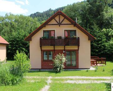 Predaj 4 rodinné domy v Ružomberku, každý 4 izby + obývačka s kuchyňou, 134 m2 obyt.plocha...