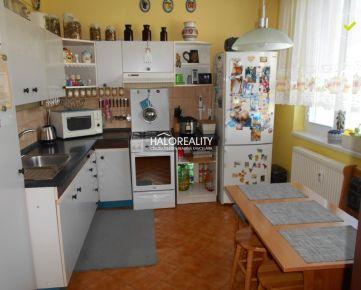 HALO REALITY - Predaj, trojizbový byt Trnava, Tehelná ul., s lodžiou a nebytovým priestorom
