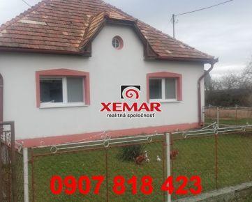 Na predaj rodinný dom s veľkým a slnečným pozemkom.