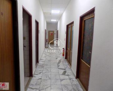 Na prenájom kancelárske priestory v centre mesta Nových Zámkoch