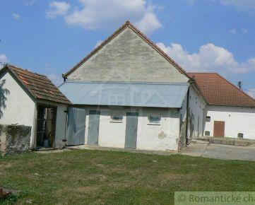 Rodinný dom, príp. komerčný objekt v Baloni pri Veľkom Mederi s takmer 30 árovým pozemkom