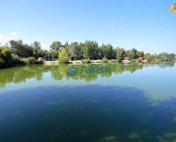 Rekreačné stredisko s rybníkom v krásnom prostredí obce Zemianska Oľča