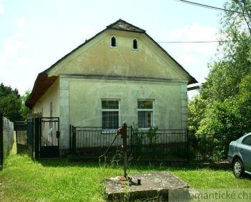 Pozemok so starým domom v tichej uličke, Jakubovany