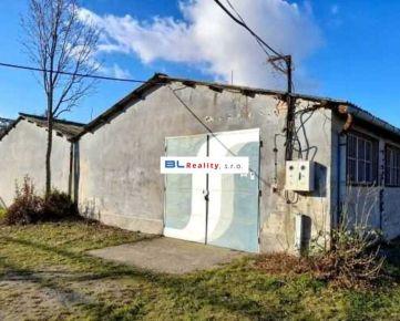 Skladové priestory (časť haly) - Istrochem: 119 m2, Vajnorská ul., Nové Mesto, Ba III.; 3,50.-€/mes. (416,5.-€) s energiami