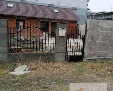 Rozostavaný dom aj na podnikateľské účely, Terasa - Galéria centrum