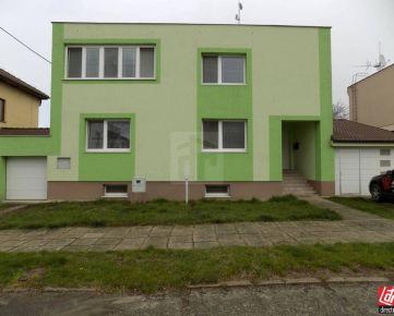 Direct Real - Exkluzívne predáme dvojgeneračný 6 izbový rodinný dom v Holíči