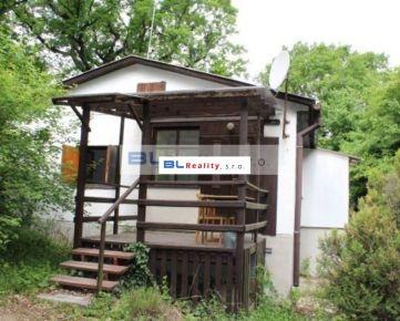 Rekreačná oblasť – Jelenec – REMITÁŽ: 4 iz., poz. 400 m2, REKR. CHATA, 45 000.-€