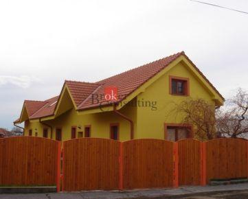 Rodinný dom Dolný Ohaj na predaj, dvojgeneračný kompletne zrekonštruovaný, vhodný pre dve rodiny ako aj na podnikanie v blízkosti Podhájskej