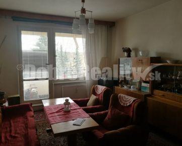 REZERVOVANÉ - EXKLUZÍVNE ! Veľkometrážny 3 izbový byt v Bánovciach nad Bebravou.