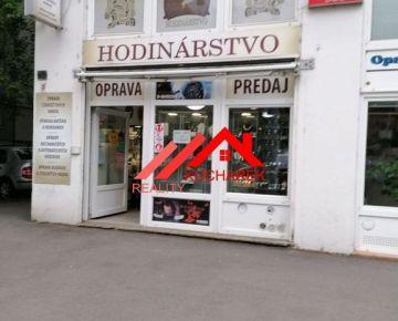 Kuchárek -real: Ponúkame na predaj 3-podlažný priestor v Bratislave-Staré Mesto.
