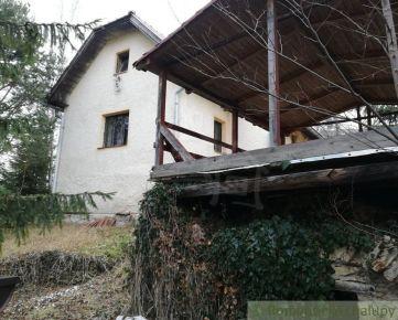 Dom v obci Dovalovo časť Liptovský Hrádok