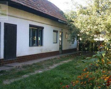 Ponúkame na predaj rodinný dom v obci Drienovec, pozemok 1118 m2