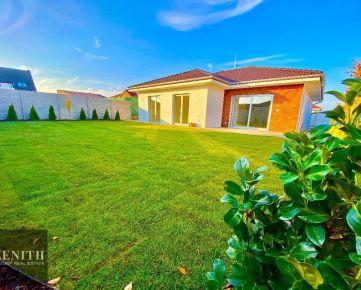 Rodinný dom s dvomi kúpelňami a veľkým pozemkom SENEC
