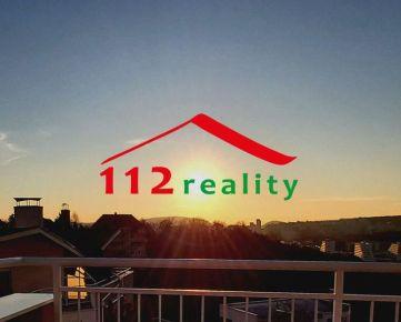 TOP LOKALITA - Na predaj veľký mezonetový 4 izbový byt, terasa, 2 bakóny, garážové státie, Staré mesto