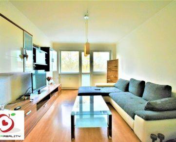 TRNAVA REALITY - Na predaj VEĽKÝ a PREROBENÝ 3-izbový byt + 2x loggia - Tamaškovičova
