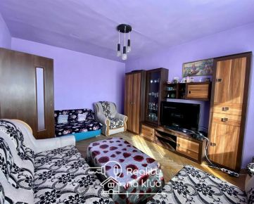 Na predaj 2-izbový byt s tromi balkónmi pri centre v Nových Zámkoch