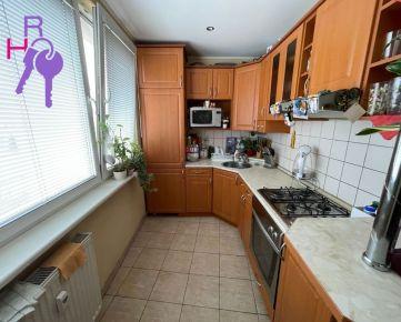 Ponúkame Vám na predaj byty Bratislava-Podunajské Biskupice,  Latorická.  Plocha: úžitková 49m2, pivnice 2m2. Cena 125 900 €