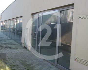 Predaj obchodné priestory v  novostavbe v Nitre veľké výklady výhodou