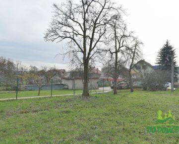 REZERVOVANÉ Stavebný pozemok v mestskej časti Podlavice, Banská Bystrica